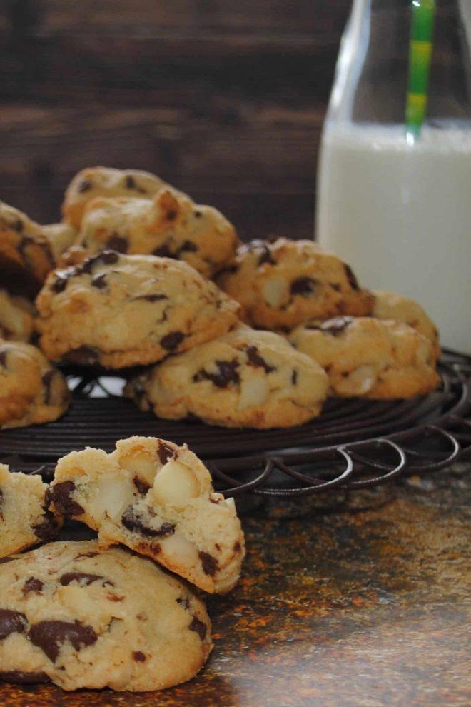 Chocolate Chip Cookies with Macadamia