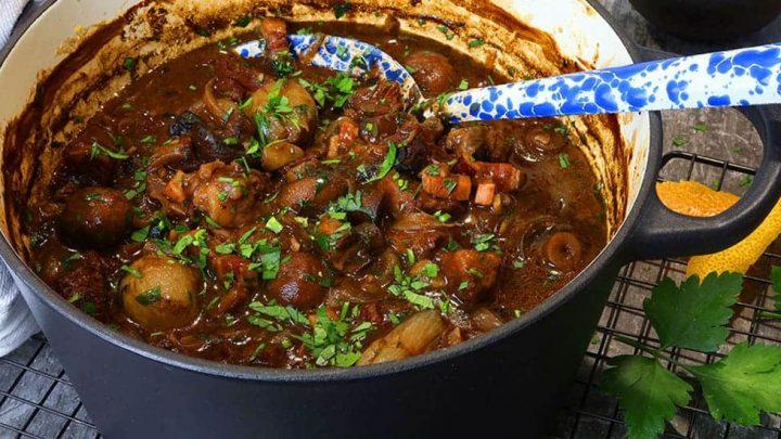 Cheats Rich Beef Bourguignon - Beef Mushroom and Red Wine Casserole
