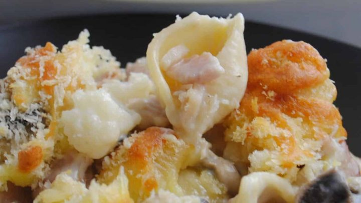 cauliflower past bake with bacon and mushrooms