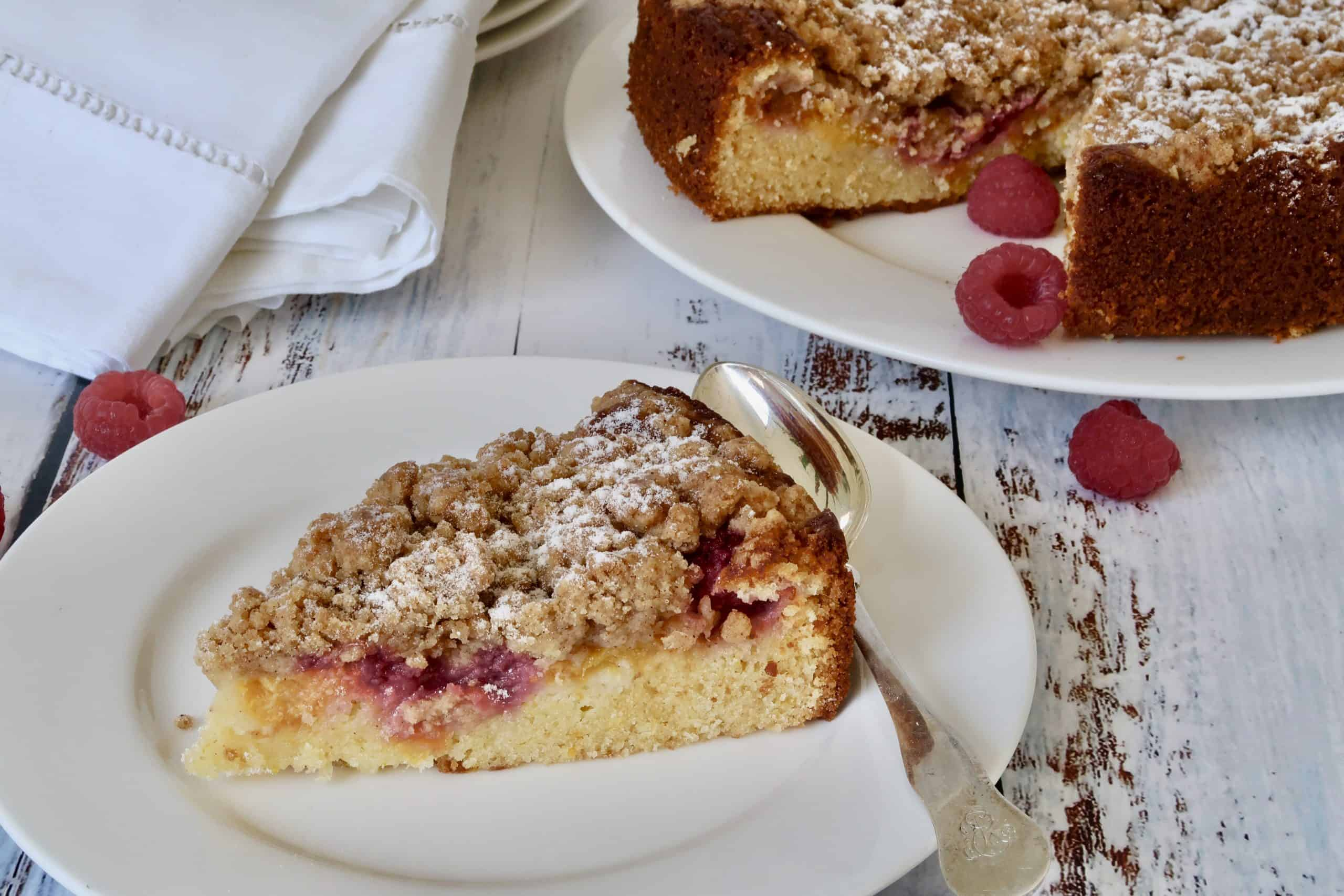 peach and raspberry streusel cake
