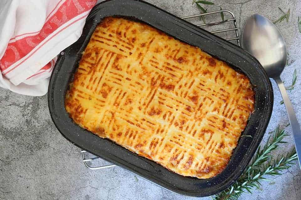 Cottage Pie with Cauliflower Cheese Mash