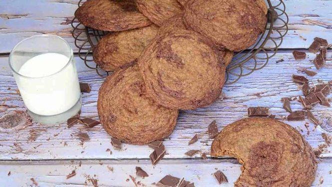 Chocolate Chip Crinkle Cookies