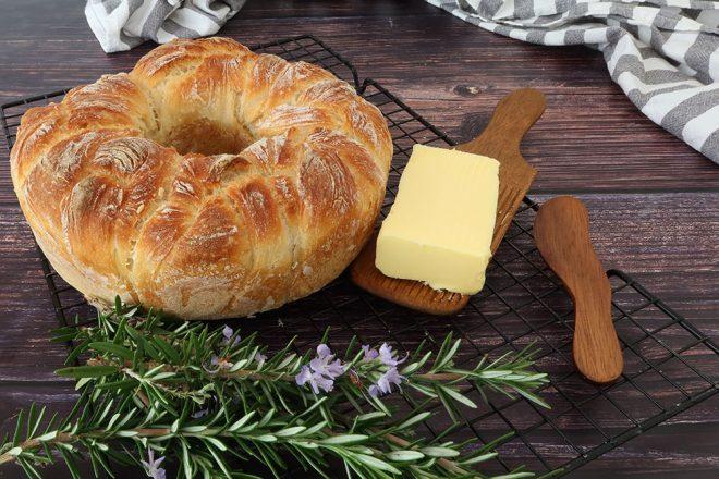 Crusty No-Knead Pull Apart Bread Rolls