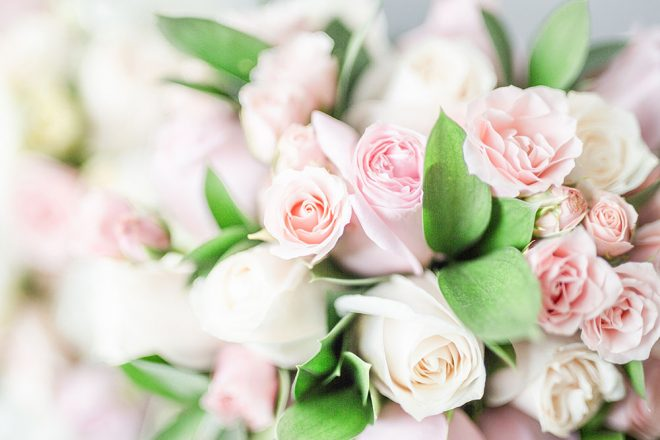 Mother's Day Dessert  bouquet of soft pink roses, Photo by Ivonne Adame on Unsplash